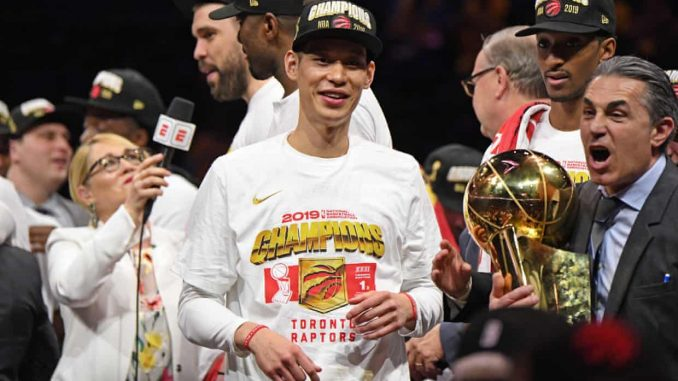 Jeremy Lin signs contract with Chinese Basketball Association's Beijing Ducks